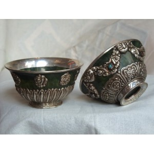 Small bowls with stone and silver