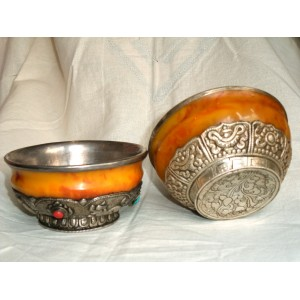 Bowls from amber and silver